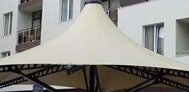 Летен бар от архитектурен текстил