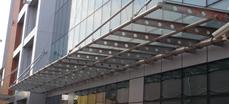 Козирка от неръждаема стомана и триплекс(стъкло) Търговски център Трия, Бургас