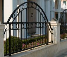 Ограда от черен метал